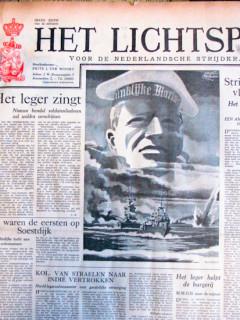 Het lichtspoor voor de Nederlandsche strijdkrachten krant geboortedag als jubileumscadeau
