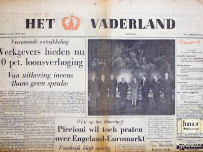 Het Vaderland krant geboortedag als jubileumscadeau